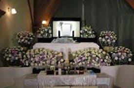 お花の家族葬を無門庭園B式場(立川市)で施行致しました。ご僧侶様には来てもらわず、家族・親族でのお別れを致しました。