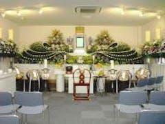 少し豪華な生花祭壇で