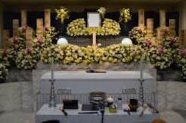 日華斎場・多磨葬祭場【府中市】の葬儀式場 行華殿(コウカデン)にて家族葬を行いました。
