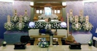 きれいな生花祭壇で故人をきちんと送り出したい!