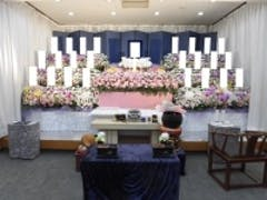 谷塚斎場の北館で花祭壇のお葬式