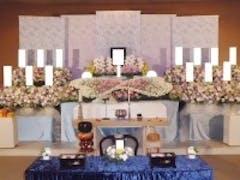 浦和斎場で春をイメージした花祭壇