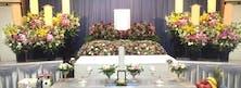 生花祭壇も出来る限りご意向に沿い、故人様らしさを演出した祭壇のご提案をいたします。