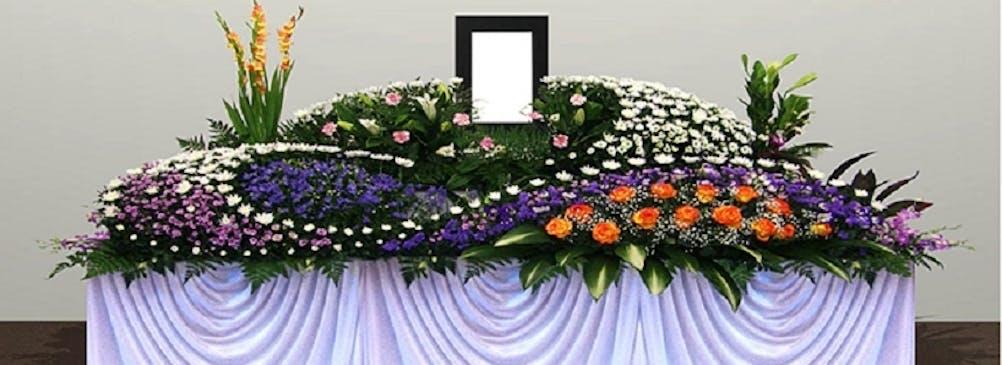 S-CLASS 800,000円(税別)大人数の葬儀にも対応できるプラン