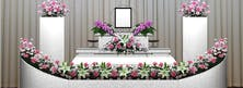 F-CLASS 600,000円(税別)ワンランク上の生花祭壇が魅力