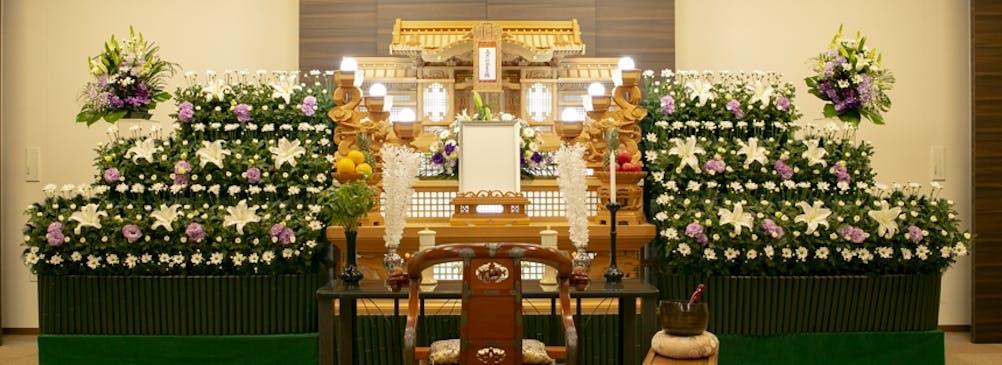 従来通りの白木祭壇も用意することができます