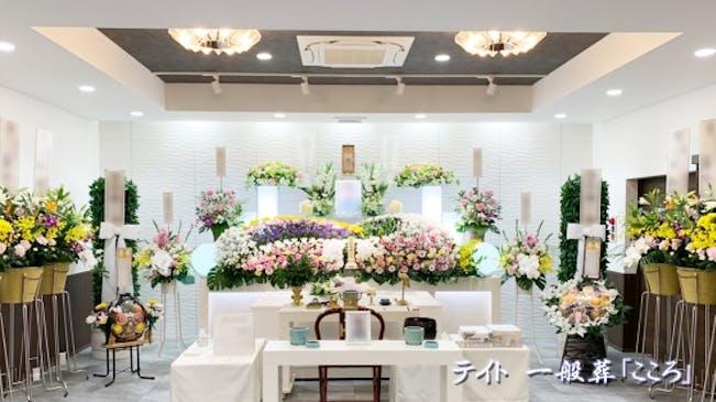 帝都は映画やドラマ撮影で実際に設営した生花祭壇をご提供します