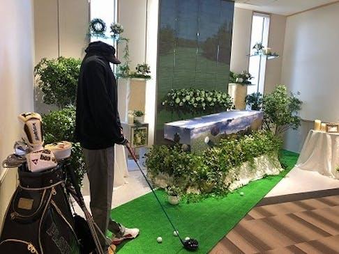 ご家族葬から一般葬までの式場と控室を完備しています