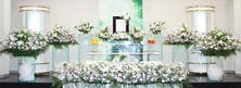 四季を感じられるオリジナルの祭壇デザイン