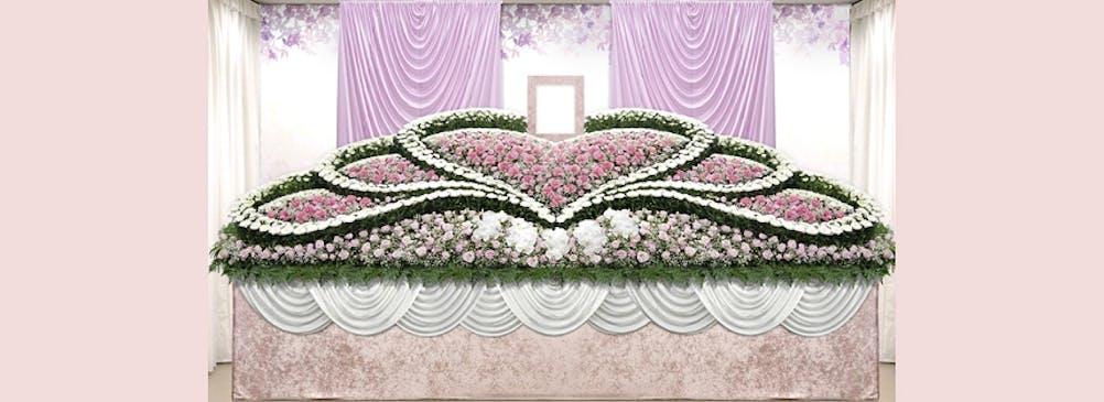 大切な思い出やご趣味をモチーフにした、オーダーメイドの花祭壇
