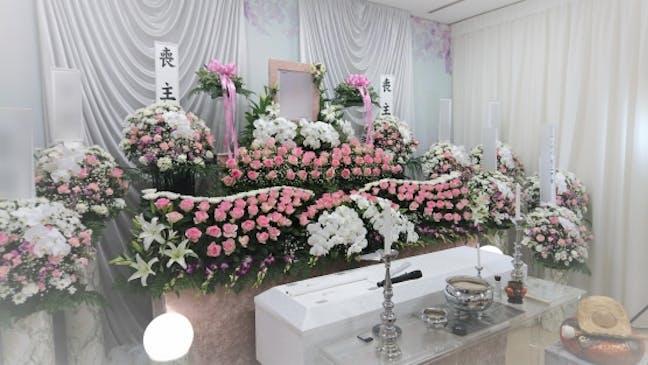 選べるオリジナル生花祭壇を各種ご用意しております